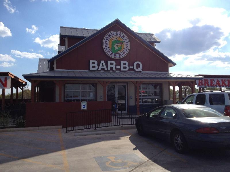 Choke Canyon Bar-B Que Stone Oak, 21510 Blanco Rd, San ...