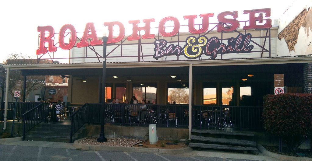 Roadhouse Bar and Grill - Durant, OK
