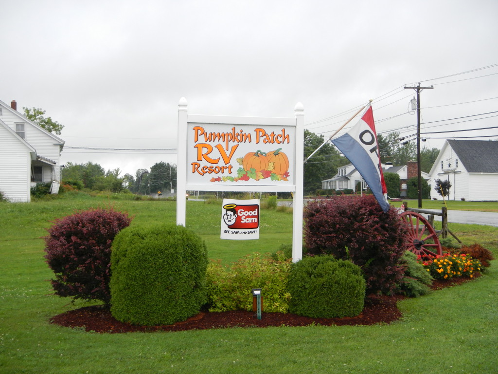 Maine - Hermon - Pumpkin Patch RV - Sign